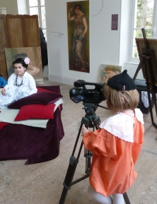 Schoolchildren of Essoyes filming in the Atelier Renoir.