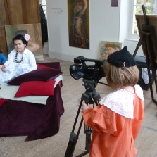 Schoolchildren of Essoyes filming in the Atelier Renoir.